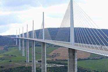 Que visiter depuis Les Asphodèles - Vallée de la VIs ? Pont de Millau